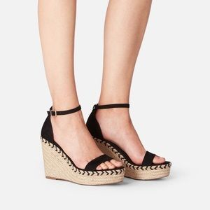 JustFab Shoes - Black Espadrille Wedge Sandal🖤